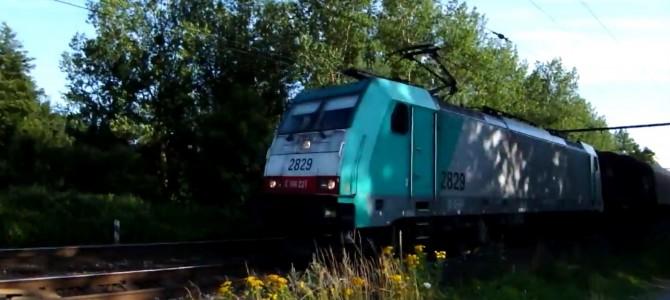 Traxx + mixed freight