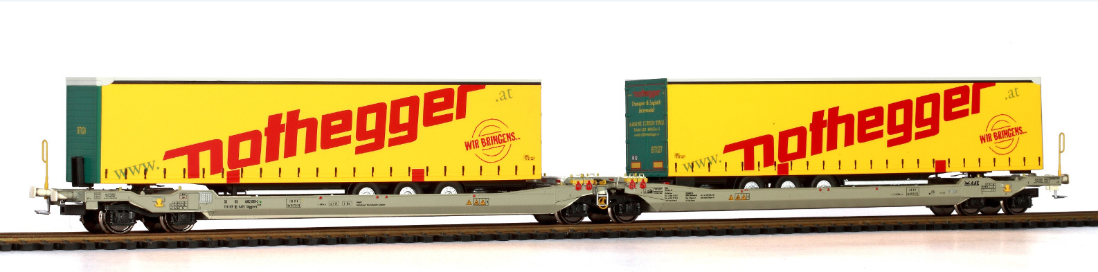 RR90336 : Twin car AAE Cargo Hupac Intermodal + 2x trailer Nothegger